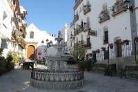Plaza in Canillas de Albaida